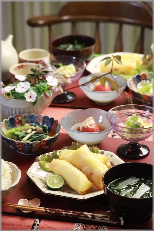 【レシピ】蒸し茄子の辛子胡麻マヨ和え。と 海老とチーズの春巻き。の献立。と 大丈夫!