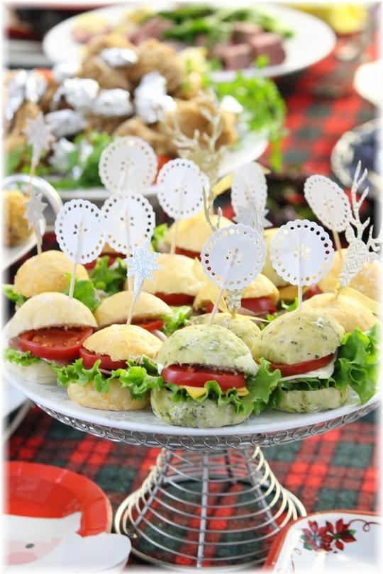【レシピ】一度に3種出来ちゃうクリスマスカラーのサンドイッチパン。 と 兄妹。