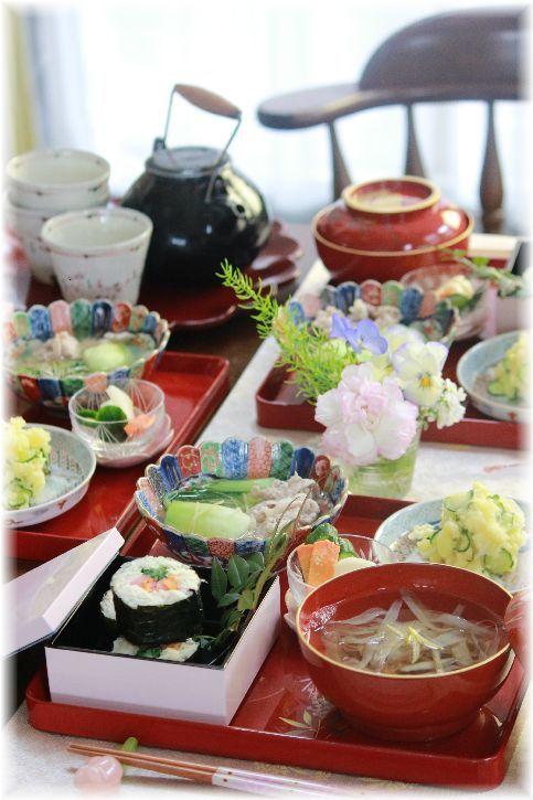 鯛めしの 韓国風海苔巻。 の お昼ごはん。