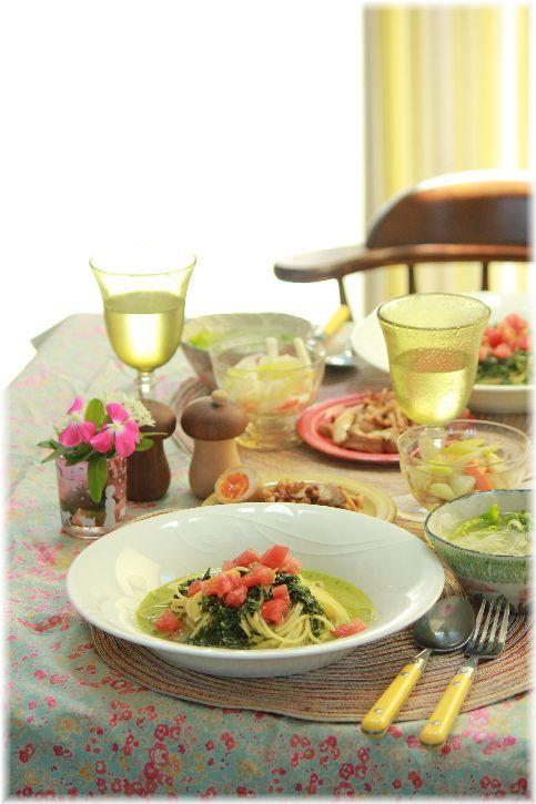 冷たい大葉ジェノベーゼの スープパスタ。 と お昼ごはん。