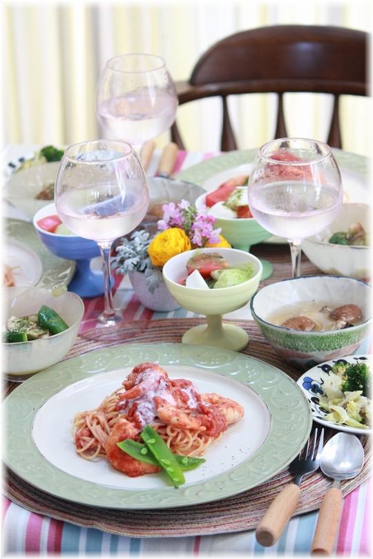 【レシピ】海老のトマトクリームパスタ。と 献立。と 私じゃない春と3人分日曜日。