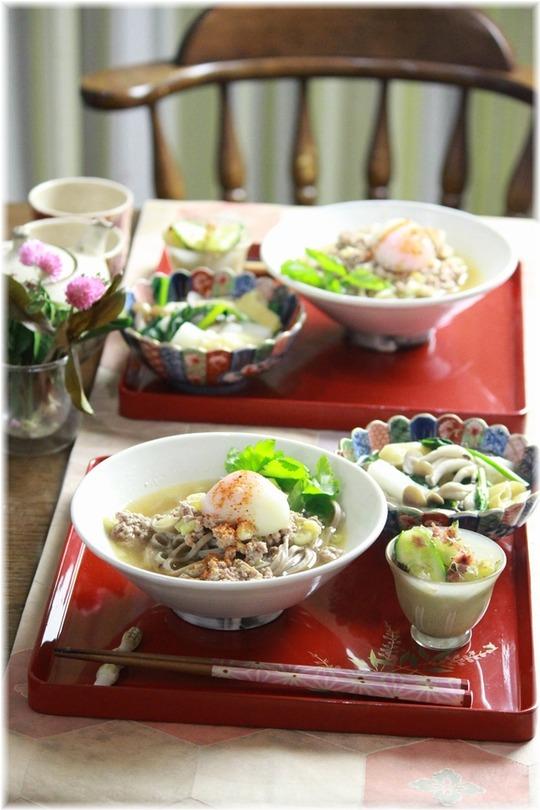 お豆腐入り坦々蕎麦。 と 献立。
