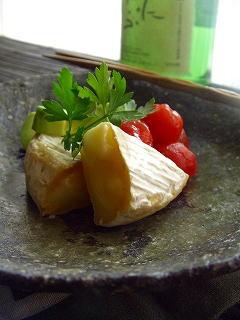 トマトとチーズとアボガドの味噌漬。とお酒バトン♪