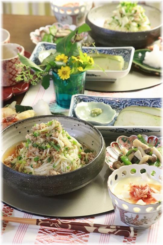 【レシピ】ジャージャー素麺の献立。と 生姜の甘酢漬け。
