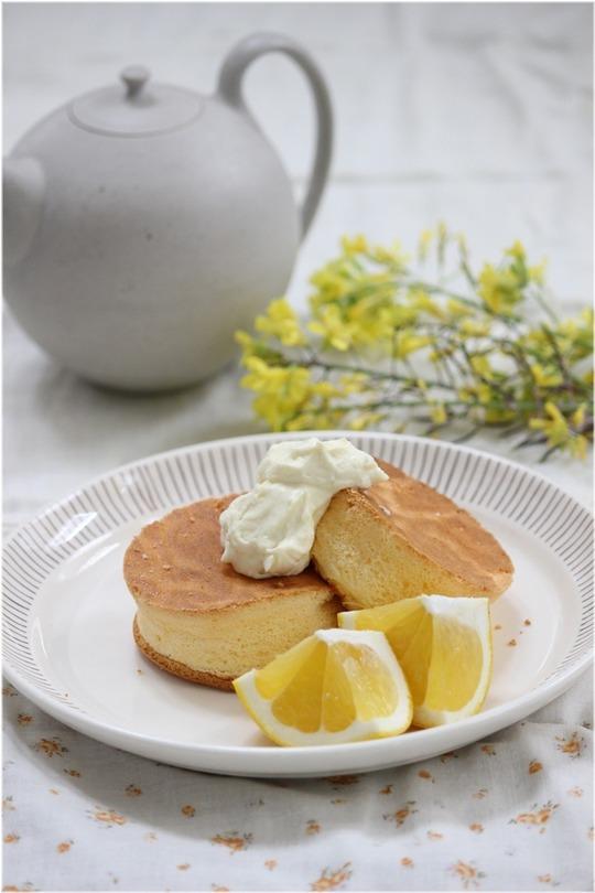 クリームチーズのふわしゅわパンケーキ。