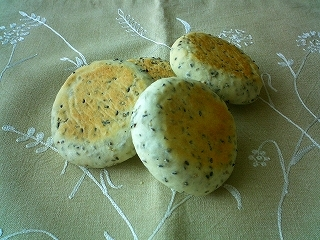 ぺたんこ☆胡麻チーズパン♪