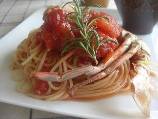 ワタリガニのトマトソースパスタ。 と献立。
