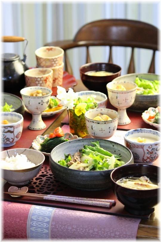 茶碗蒸しの作り方画像。と 牛肉とたっぷりレタスの甘辛煮。と 献立。