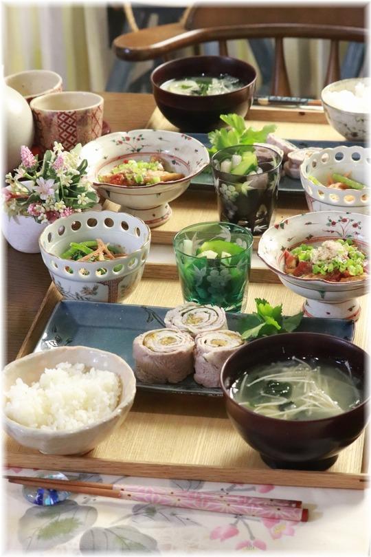【レシピ・リンク】微妙な副菜と梅紫蘇の豚肉くるくる。と 献立。と そりゃ そうでしょ。