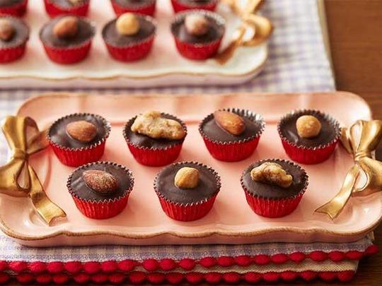 【お知らせ】 材料3つのナッツ生チョコ。ロカボスタイルヘルシーレシピ2月 更新しています♪