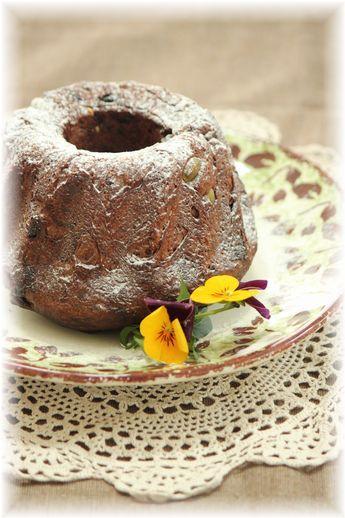 チョコレーズンのクグロフブレッド。