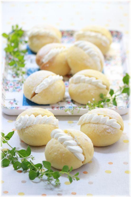 ふんわり「カルピス」クリームパン。