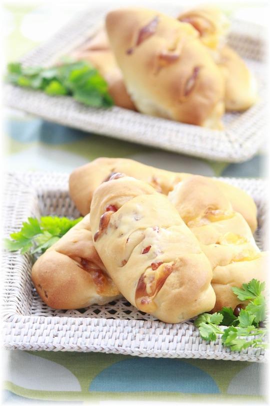 チーズベーコンパン。と 朝ごはん。