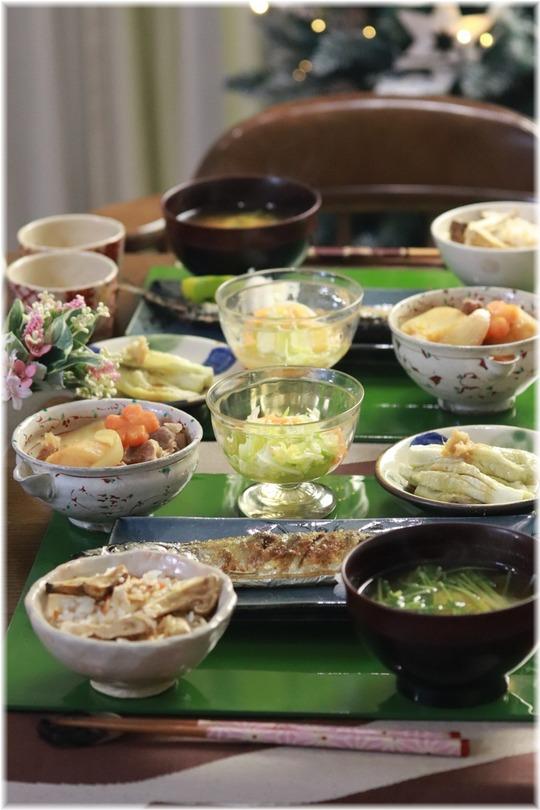 【献立】秋刀魚の塩焼き。と 松茸ごはん。と まだまだまだまだまだ。