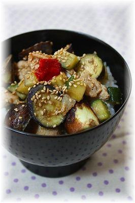 茄子と胡瓜の味噌生姜丼。 とお昼ご飯