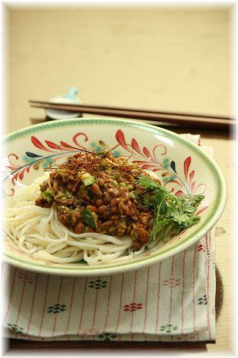 納豆ジャージャー麺。 と お昼ご飯。