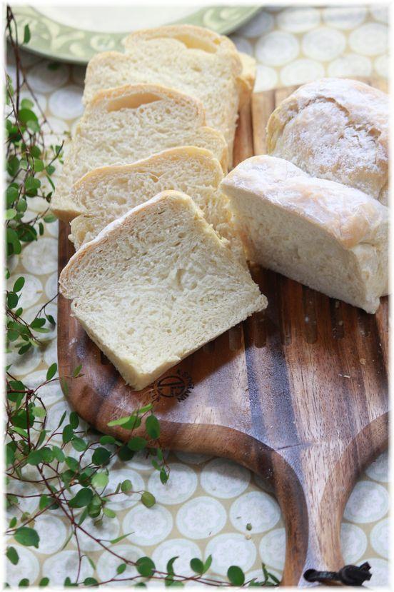 「カルピス」と オリーブオイルが香る ふわふわ食パン。