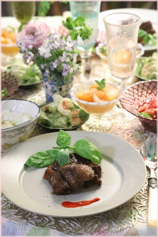 【レシピ】やわらかスペアリブステーキ。と 献立。 つぼみの桜で背中が伸びる。