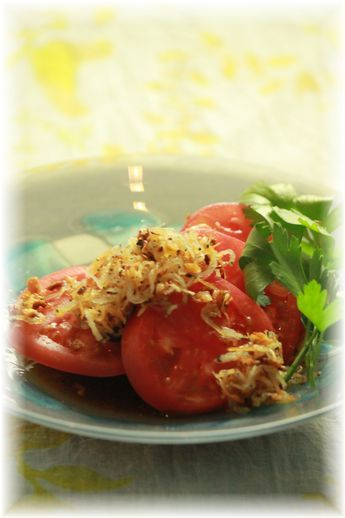 カリカリしらす・トマトサラダ。 と献立。