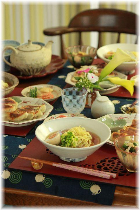 鶏煮干しスープのラーメン定食。