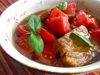 トマト入り・サッパリ豚の角煮。 と献立。