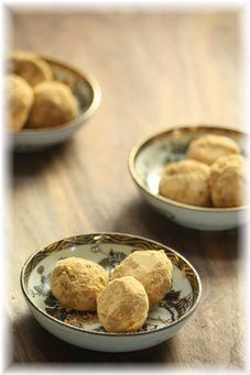 卵無し、牛乳無し、バター無しきなことお豆腐のコロコロクッキー。