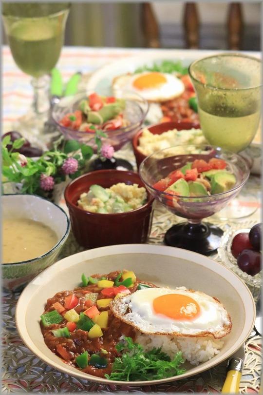【レシピ】レンチンカレーミートソースご飯。と 献立。 と 妹ジュニア