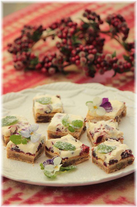 クランベリーチーズの ソフトスパイスクッキー。