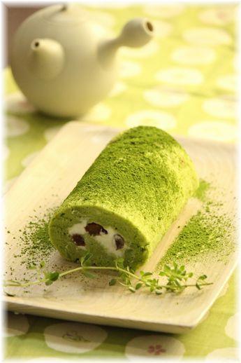 抹茶豆腐ロールケーキ。