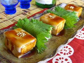 お豆腐とお餅の照焼き。