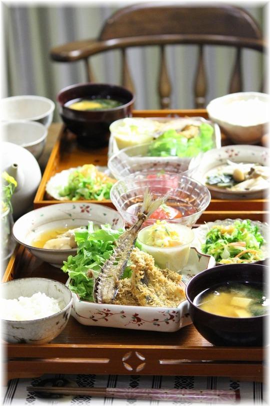 アジフライ。と 野菜たっぷりお豆腐タルタルの献立。