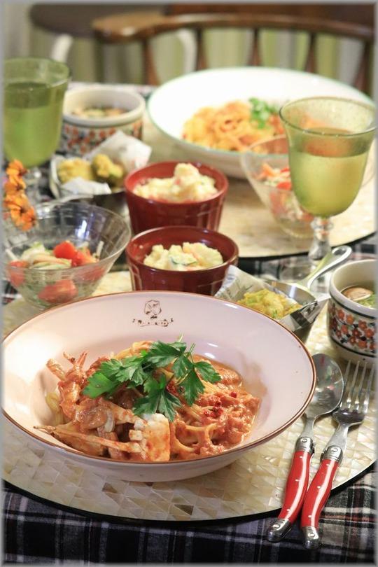 【レシピ】お鍋に放り込むだけ。材料3つのワタリガニのトマトクリームパスタ。と 献立。 厚着のかわいらしさ。