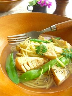 筍と絹さやの塩生姜スープパスタ。