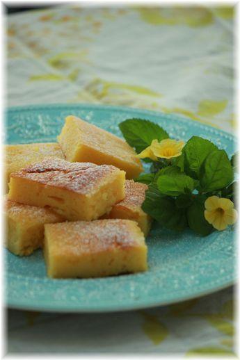 冷やして食べる オリーブオイルとヨーグルトのケーキ。