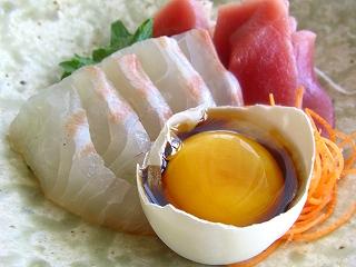 黄身醤油で食べるお刺身 と献立。