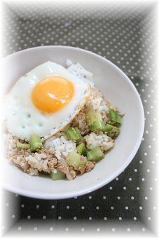 ブロッコリーの茎のツナ味噌混ぜご飯。 と朝御飯。