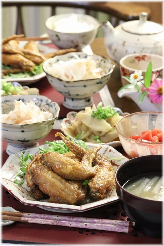 【レシピ】手羽先のハニーカレー揚げ。と 献立。 と カレーを一緒に食べる。