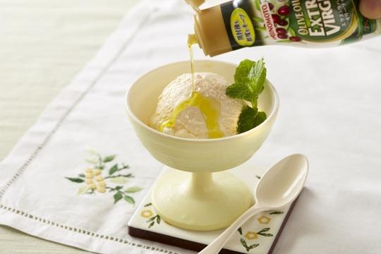バニラアイスの塩オリーブオイル(オイルあり)