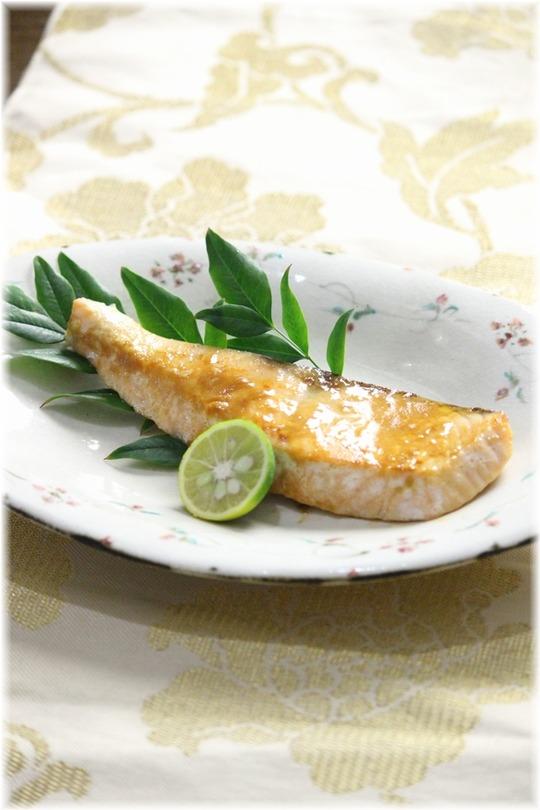 鮭YHF2