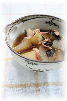 大根の海苔ベーコン煮。 と朝御飯。