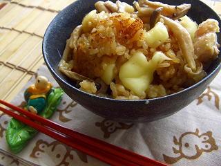 鶏とチーズの照焼き炊き込みご飯。のち、お茶漬け♪