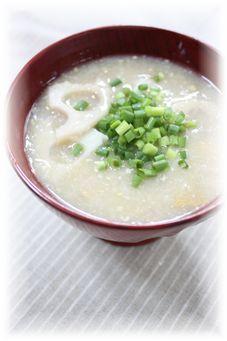 すりおろし蓮根と生姜のお味噌汁 と朝御飯。