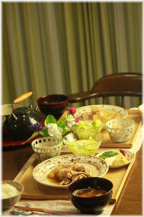 豚肉と玉ねぎの煮物。 と 献立。
