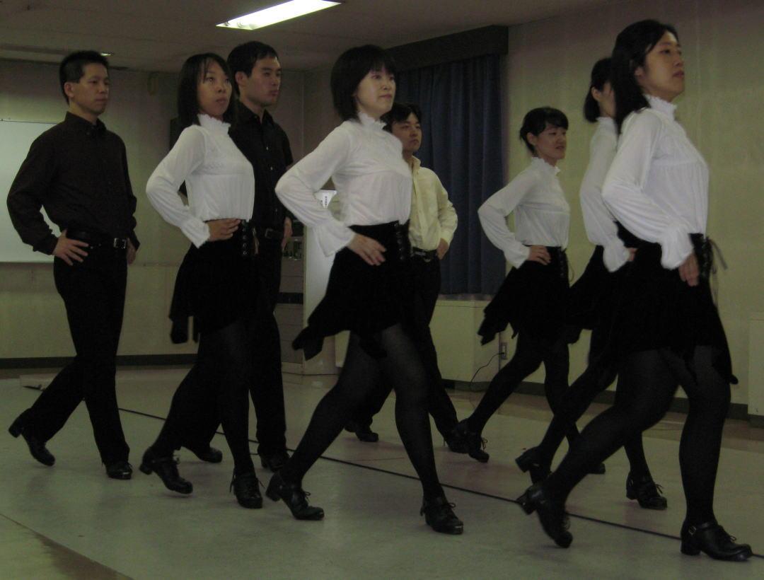 アイリッシュ・ダンスの写真撮影でした : よねっちマンドリン風来坊