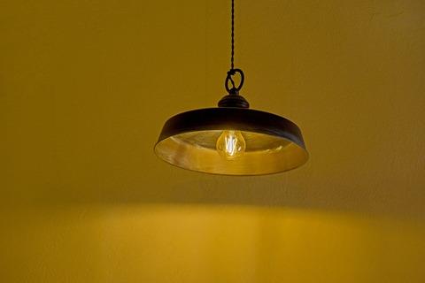 light-3392173_1920