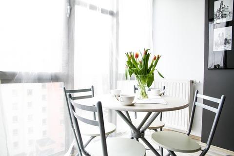 apartment-2094699_1920