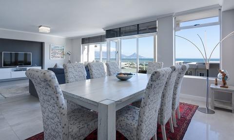 modern-minimalist-dining-room-3108037_1280