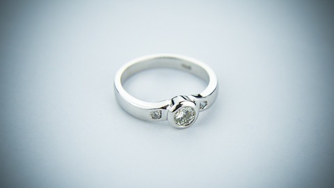 engagement-ring-2093824_1920