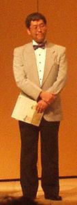 BBCの定期演奏会で司会を務める西田裕さん
