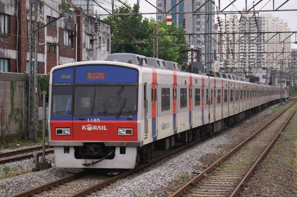 韓国ソウルで相互乗入運転を行う地下鉄1号線 : 関西中心の鉄道写真